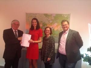 Burgemeester van der Knaap (Ede) met Mirjam Bink, Herma Goris en Dennis Hadderingh
