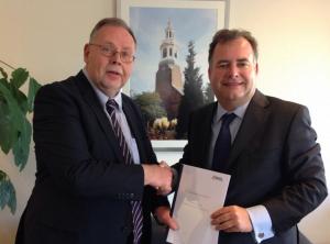 Wethouder Horst (Nijkerk) en Hans Biesheuvel